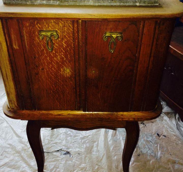 Restauration d'une vieille table nuit